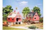 Два строящихся дома