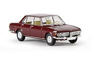 Автомобиль BMW 2500, красный