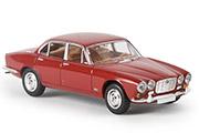 Автомобиль Jaguar XJ 6, красный