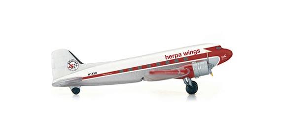 Самолет Douglas DC-3 Herpa