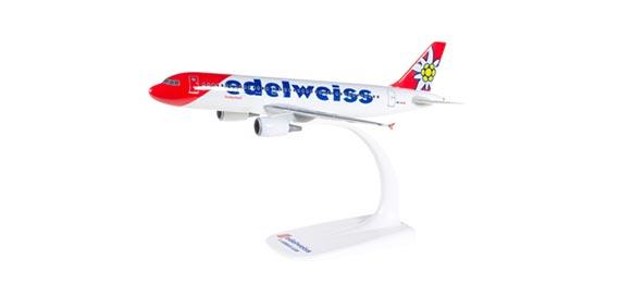 Самолет Airbus A320 Edelweiss Air