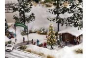 Заснеженная рождественская елка